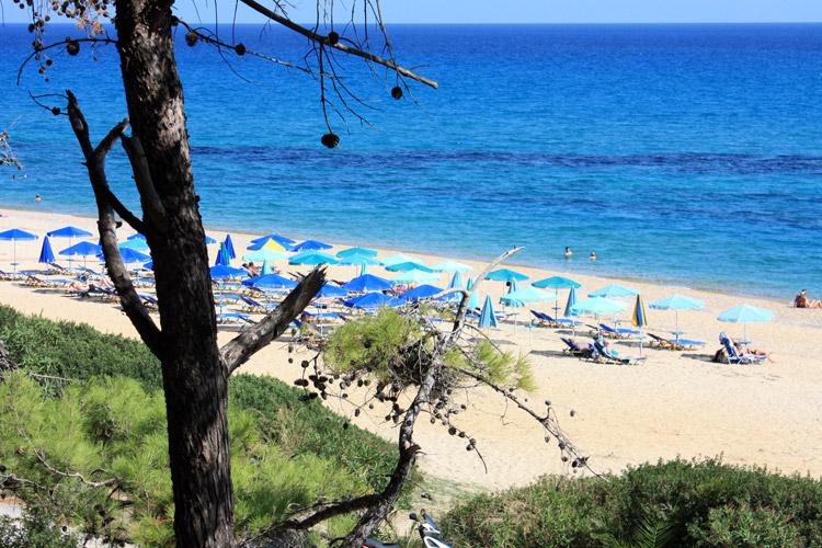 Skala è un bel paese turistico nel sud dell\'isola di Cefalonia